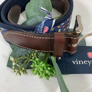 Vineyard Vines Pizza Wings & Beer Belt Sz 30 NWT
